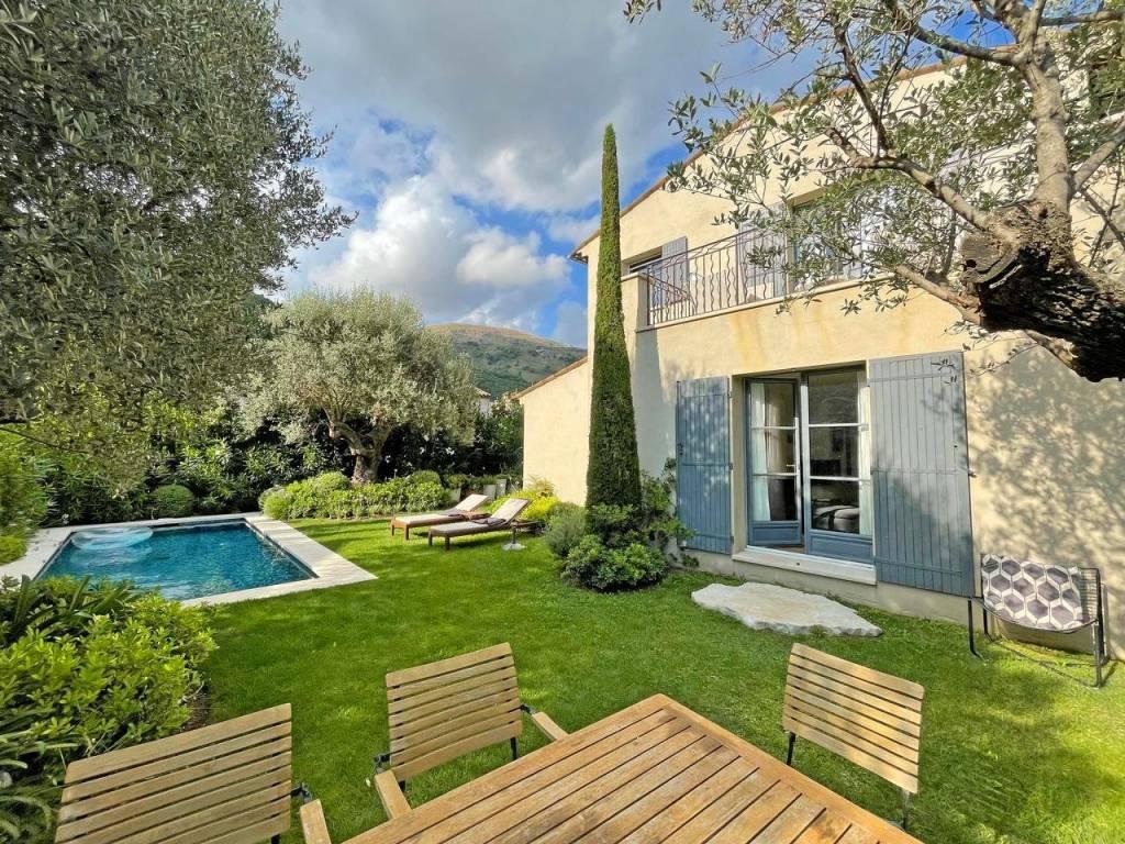 Charming villa close to the village of Tourrette sur Loup