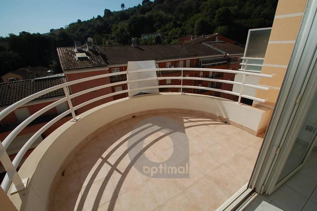 Mentone Borrigo - ultimo piano con balcone