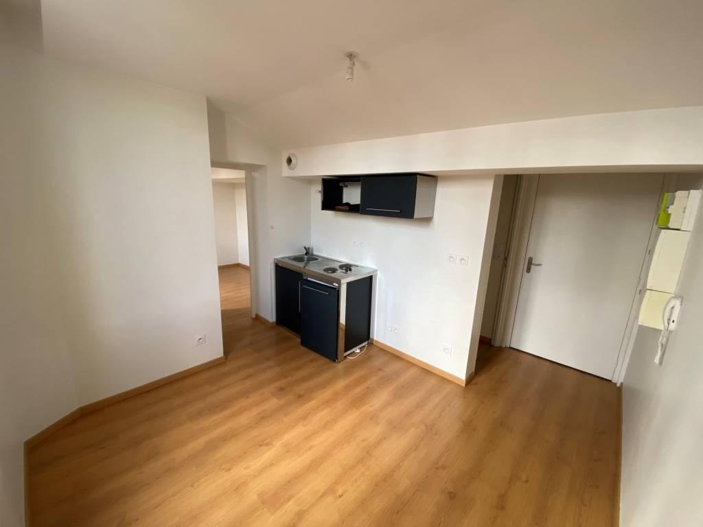 Rental Apartment Saint-Étienne Carnot Le Marais