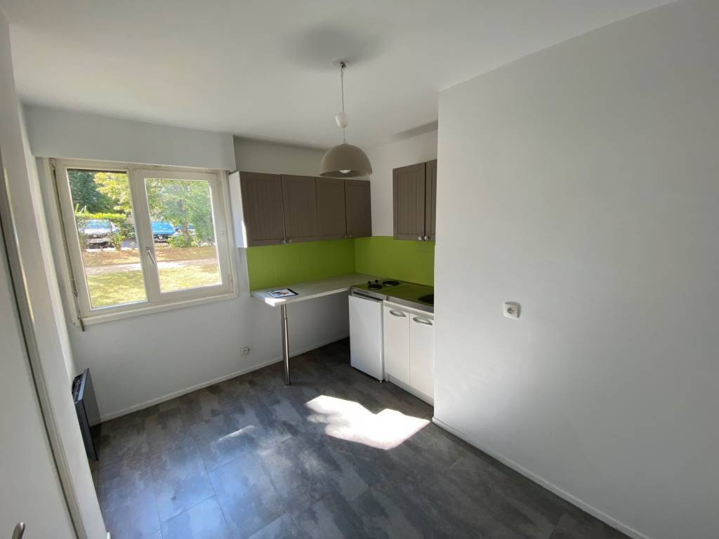 SAINT-ETIENNE - Studio 34 m² Rue de la montat