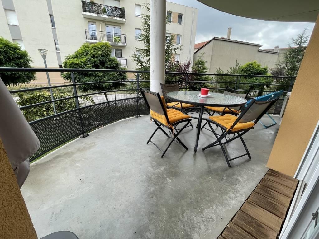 Sale Apartment Saint-Priest-en-Jarez