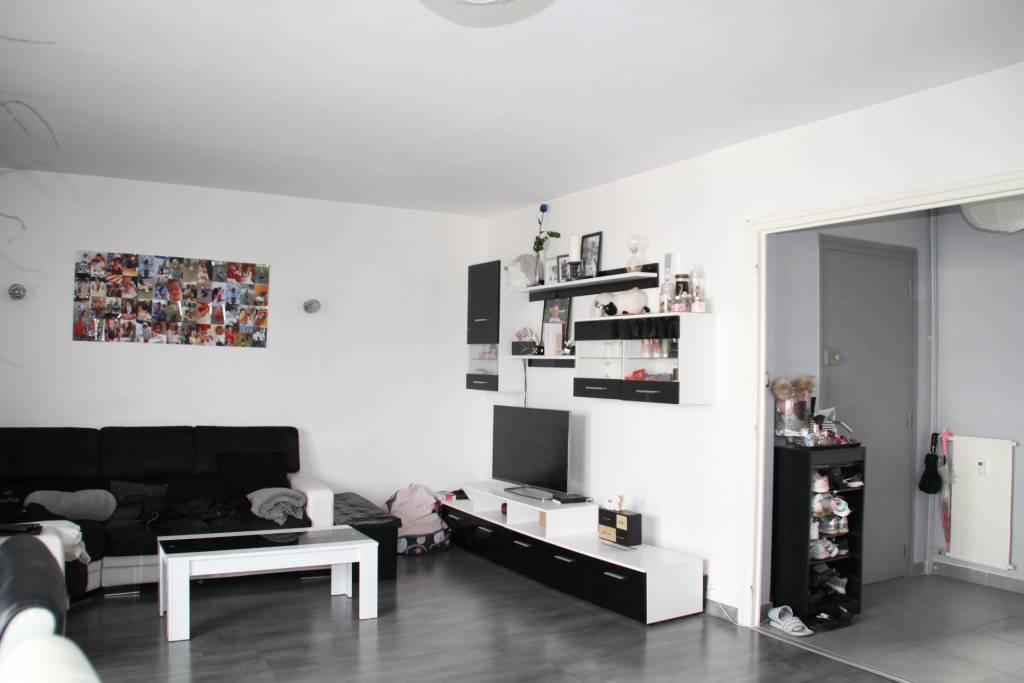 Sale Apartment Le Chambon-Feugerolles