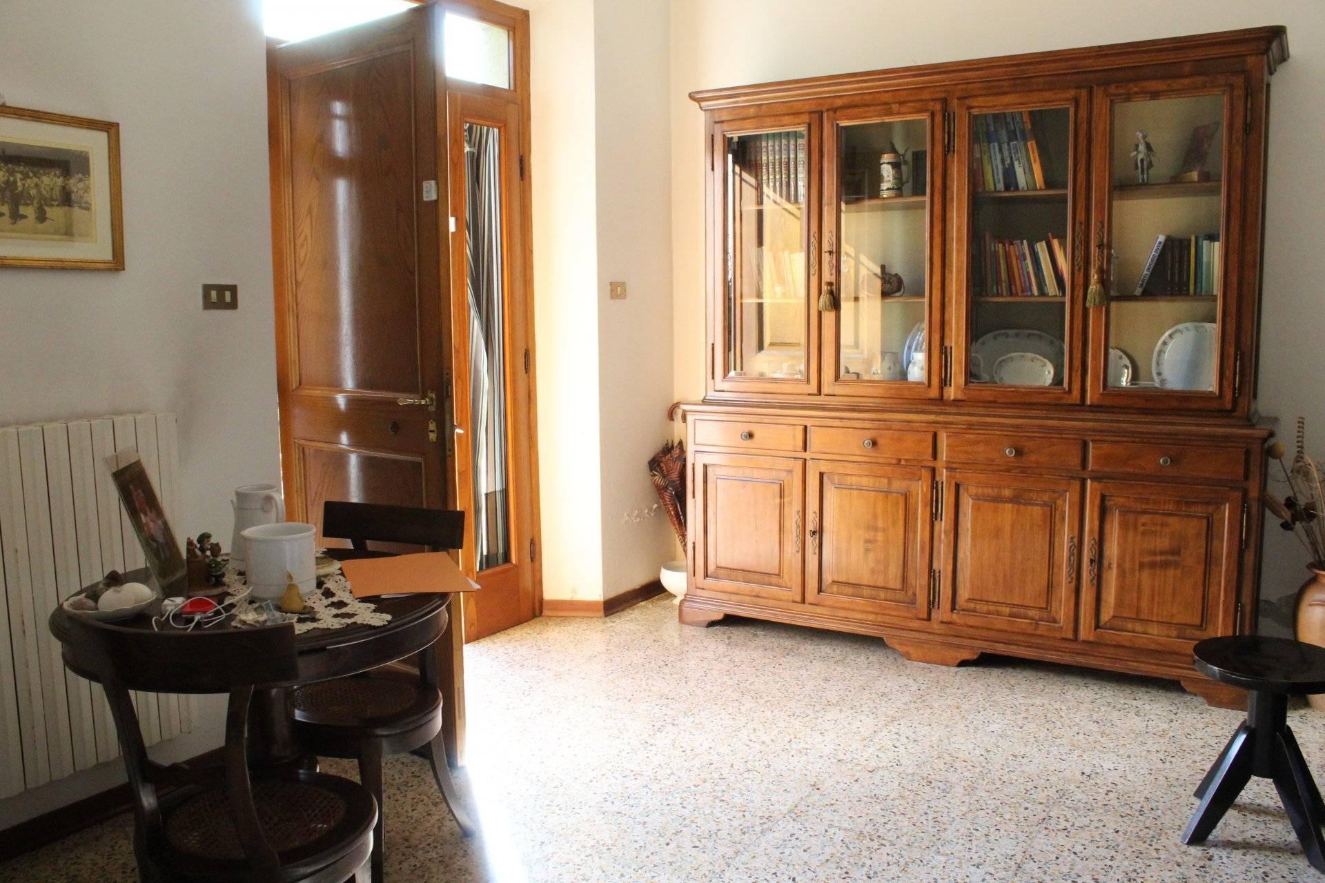 1 83 Lucca