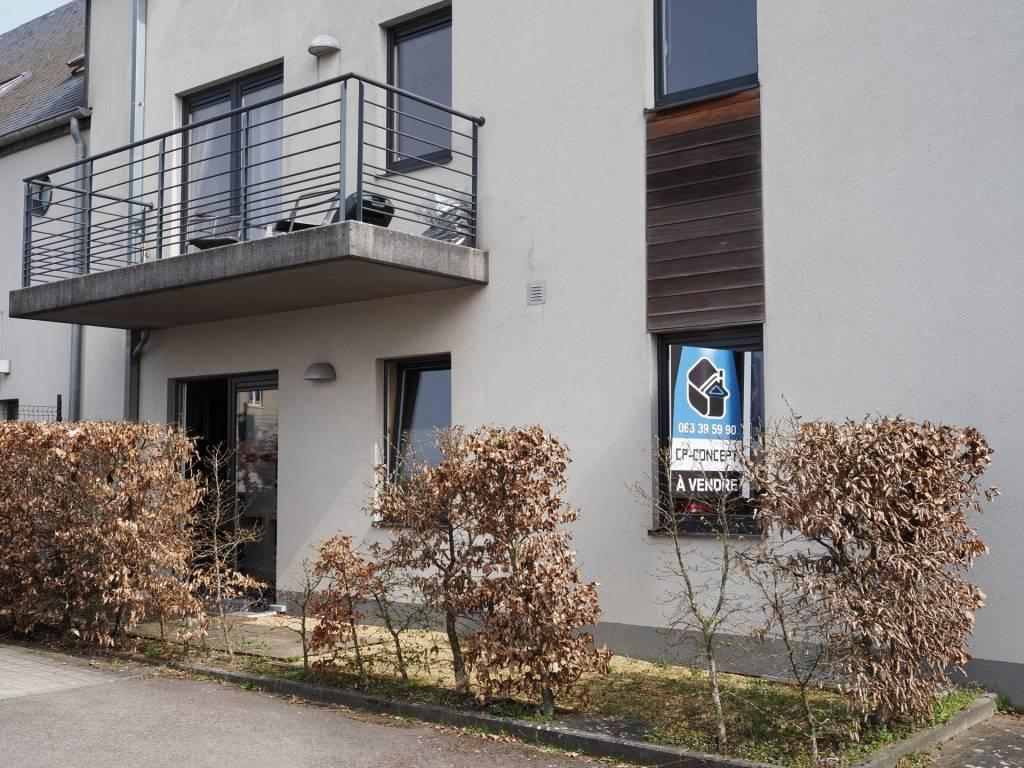 +++SOUS OFFRE+++Appartement au rez-de-chaussée de 1 chambre avec terrasse