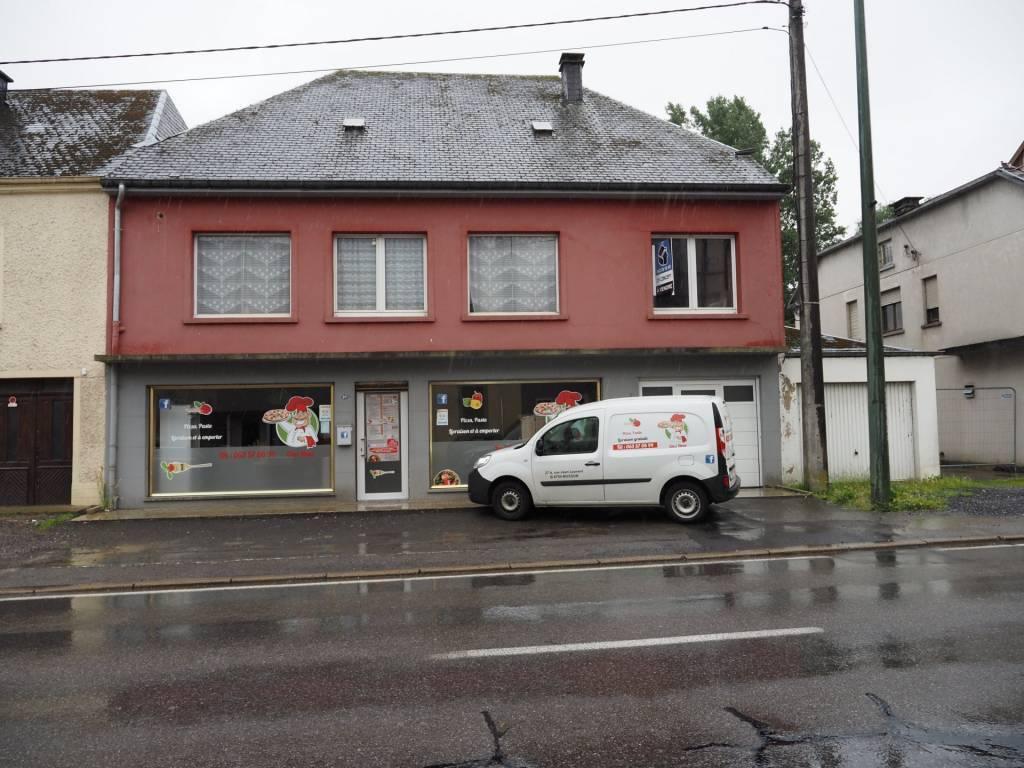 Maison de commerce avec un commerce, un appartement et une maison