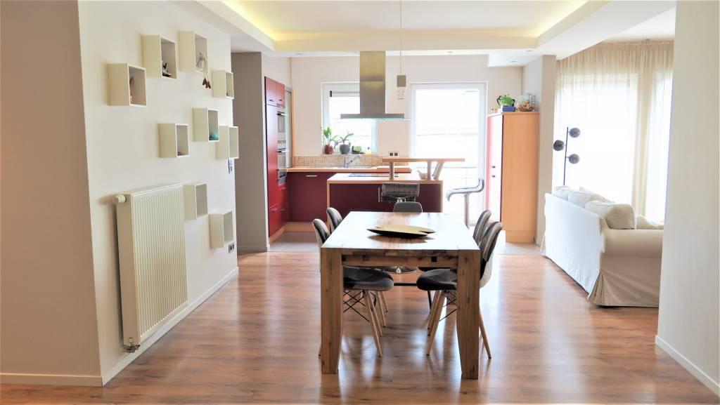 Appartement de 2 chambres, balcon et garage