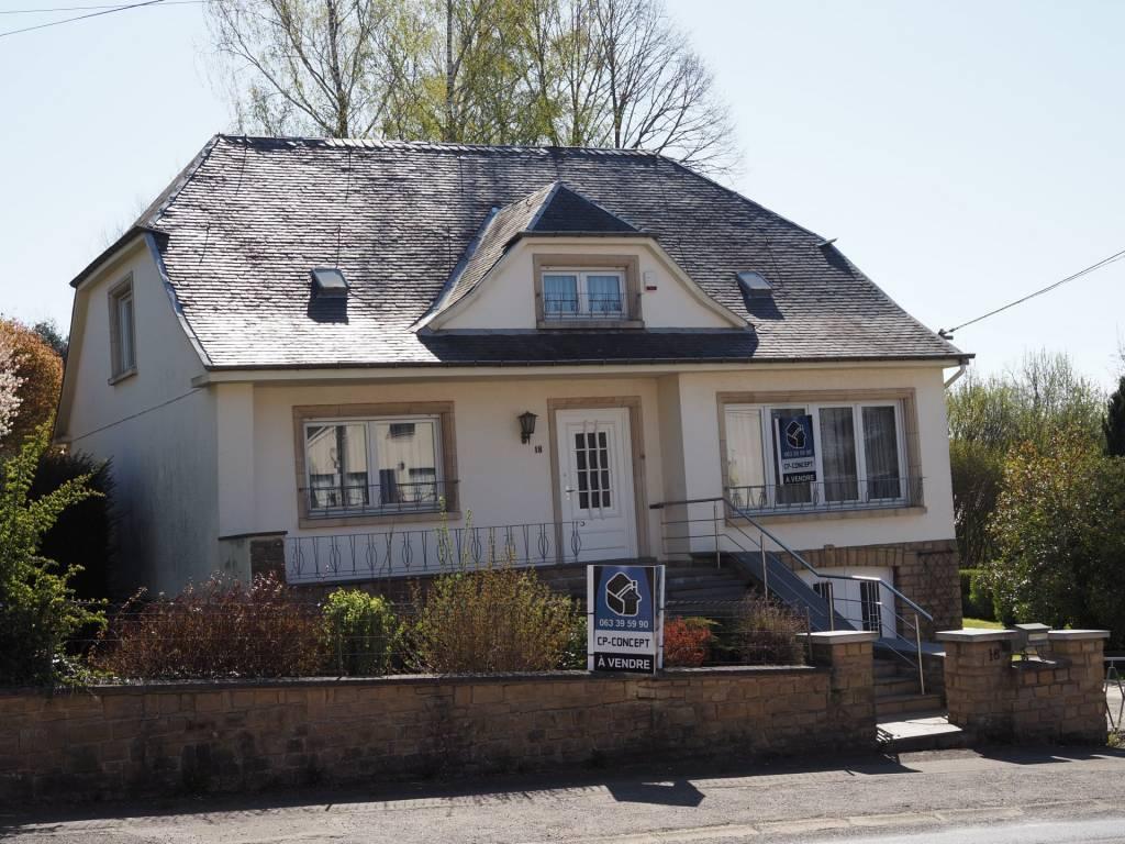 +++VENDUE+++Grande maison de 4 chambres, terrasse, garage et dépendance