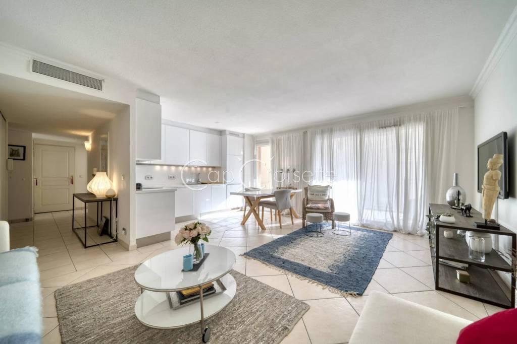 Cannes - Palm Beach 3 rooms South Terrace 25 sqm