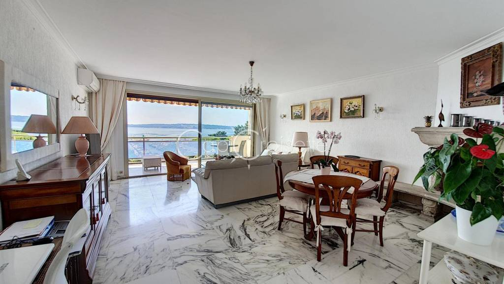 Cannes Palm Beach  Moure Rouge 3 rooms panoramic sea view.