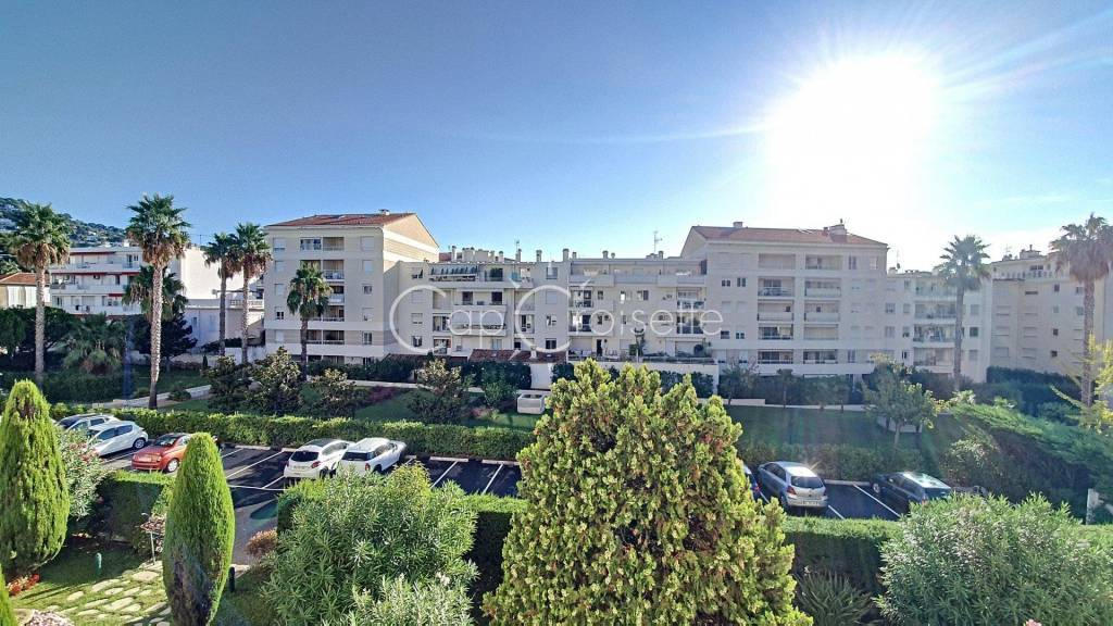 Cannes - Palm Beach 3 rooms Superb renovation, close to shops