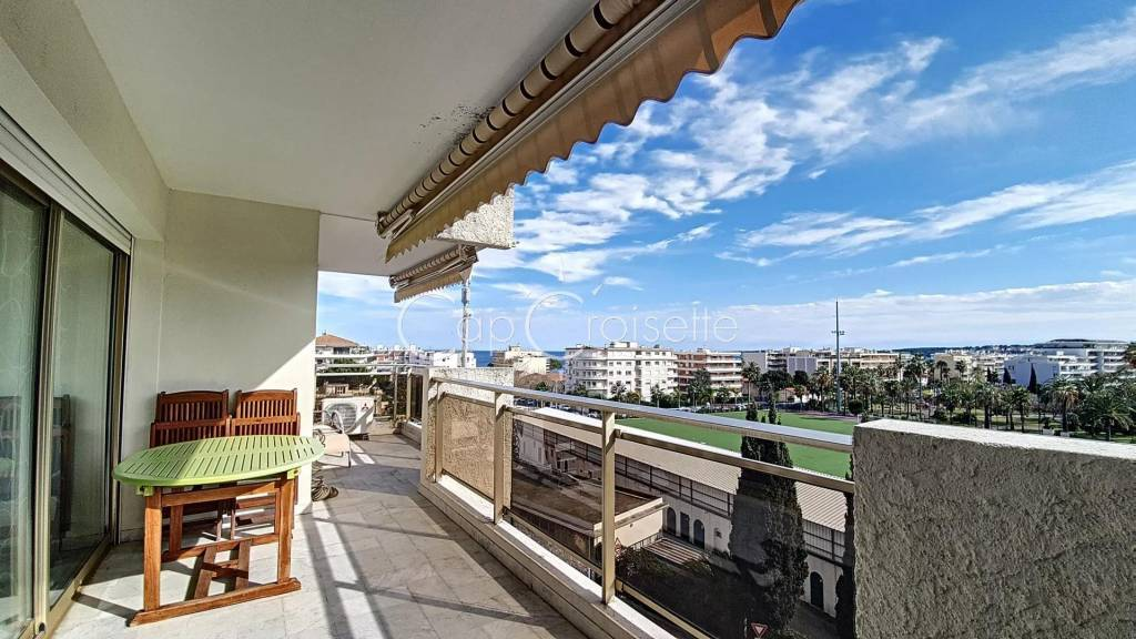 Cannes - Palm Beach 3 rooms last floor, close to beaches, sea and shops