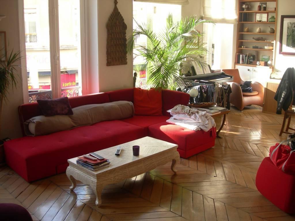 bel appartement de 98 m2 au 1er sur rue d'Orcel Paris 09, a 3 mm funiculaire Sacré Cœur.