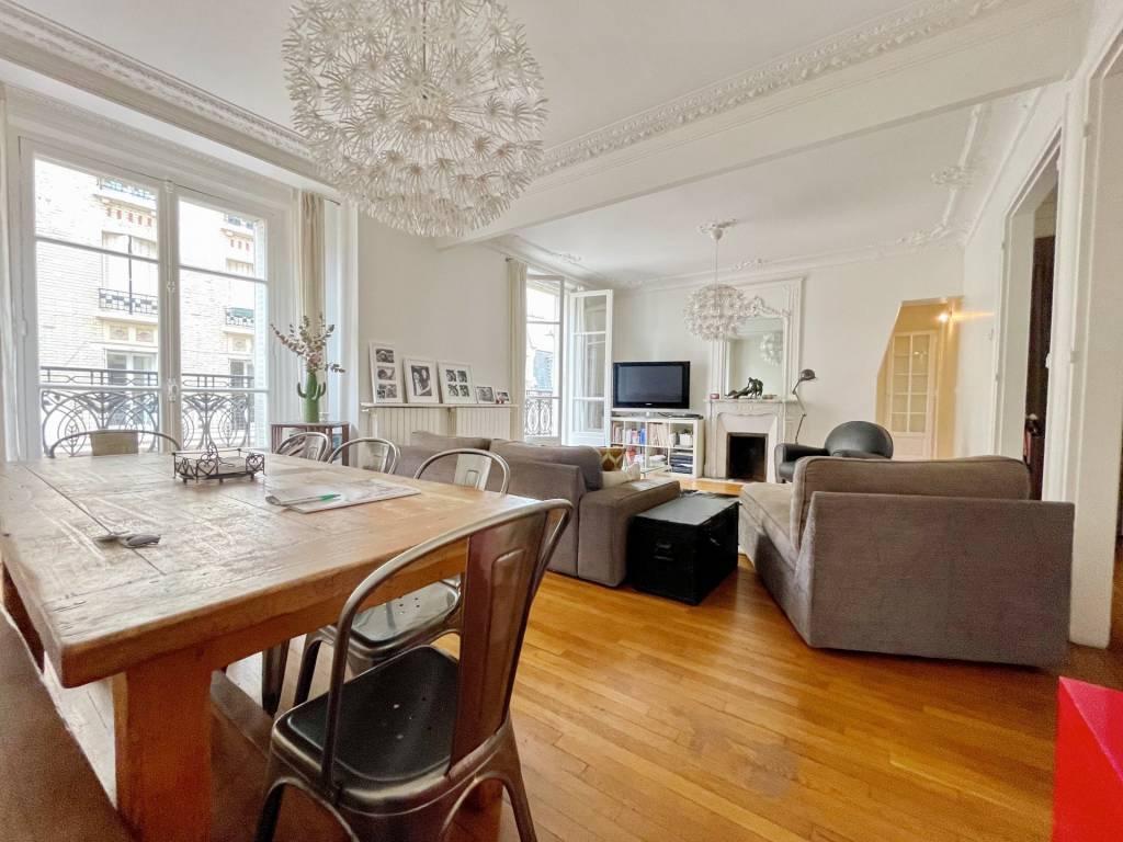 Sale Apartment Levallois-Perret Hôtel de Ville - Planchette
