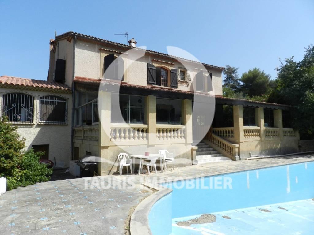 La villa levis strauss, piscine et terrain de 3300m2 au calme absolue