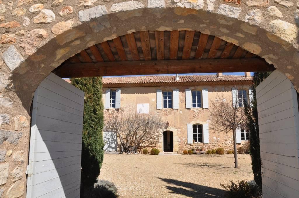 Près de Greoux les Bains Commanderie templière en Provence