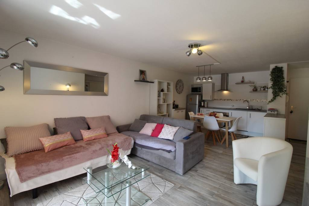 2 room apartment refurbished in Le Cannet