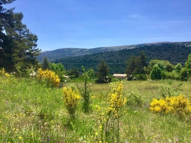 Grand terrain vue sur les pistes Terrain de 1 hectare à Andon