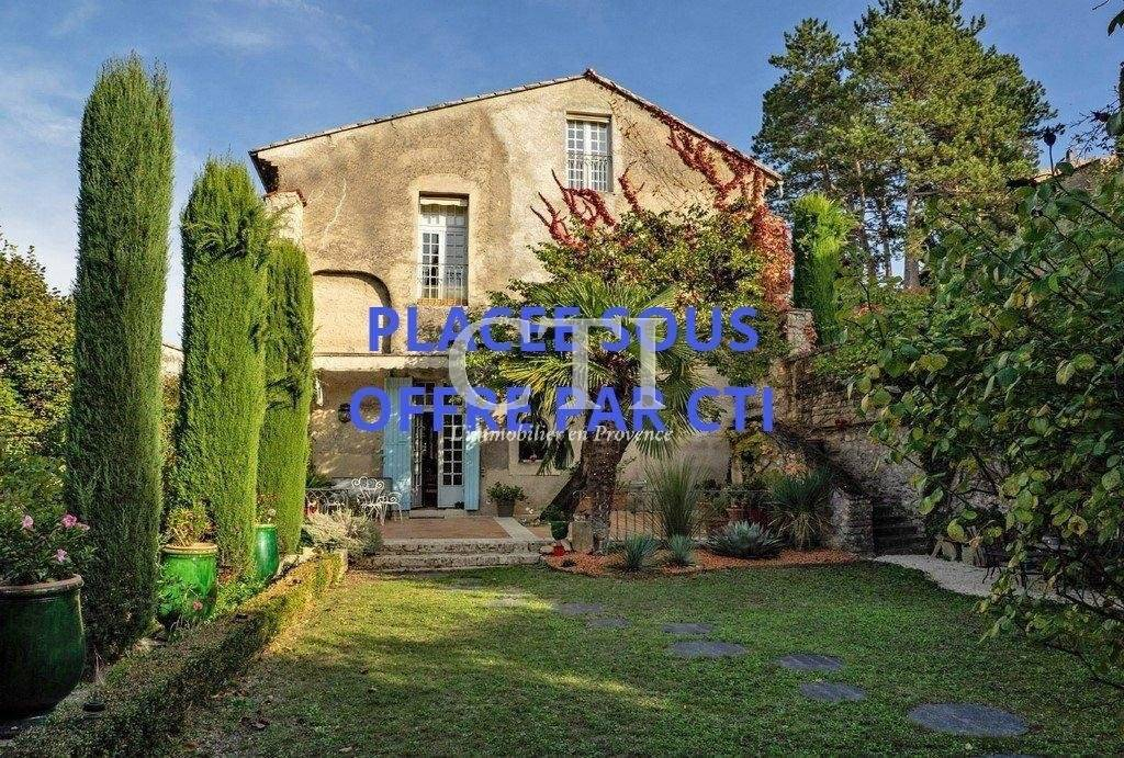 À acheter à Vaison-La-Romaine : immobilier de prestige : maison