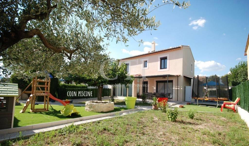 Trés belle villa de 143 m² sur terrain clos de 504 m²