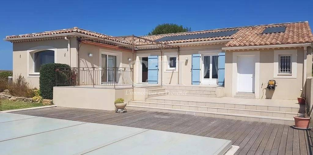 Close to Vaison-La-Romaine, luxury real estate: house to buy