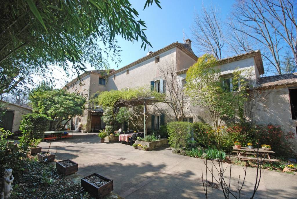 OLD BOURGEOISE HOUSE FOR SALE