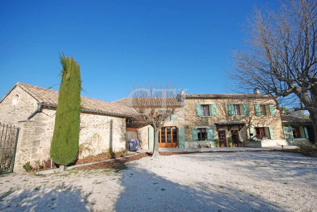 VERY BEAUTIFUL PROVENCAL MAS RESTORED FOR SALE