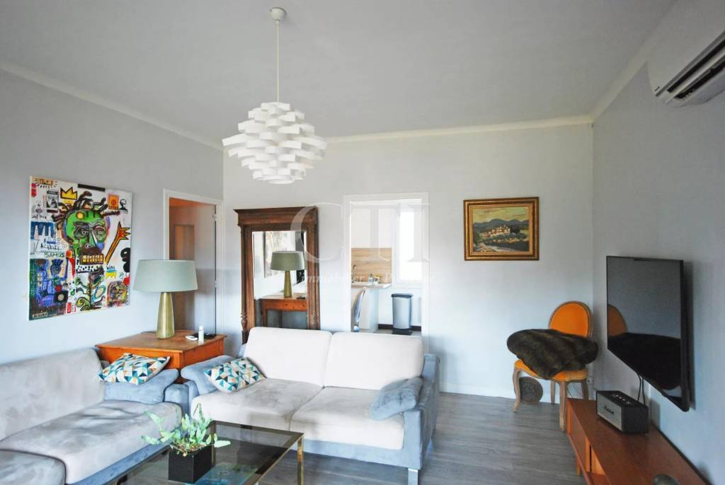 To buy in Vaison-La-Romaine (84): apartment with terrace