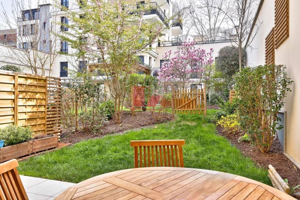 ISSY - 4 pièces de 88,66 m² - 82 m² de jardin terrasse - cave et double parking
