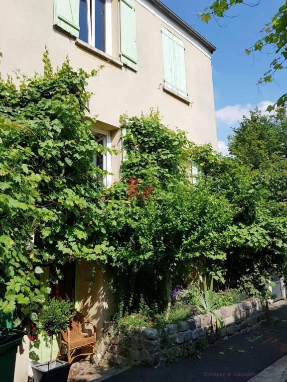 CHATILLON VIEUX BOURG: Ancien corps de ferme  rénové de 130 m² utiles ( (118,92 m² Carrez)