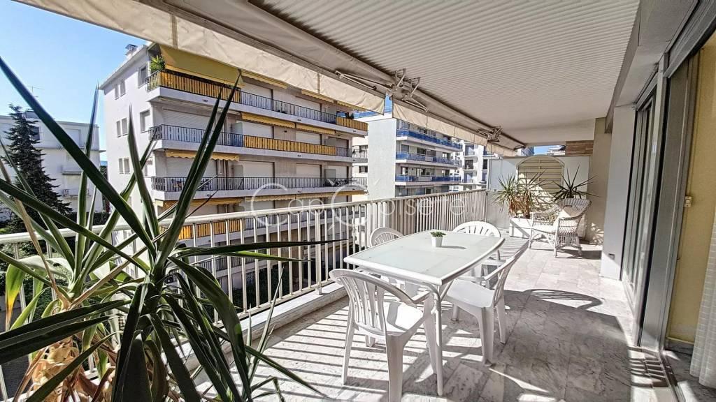 Cannes Palm Beach 2P avec belle terrasse ouest et proche mer