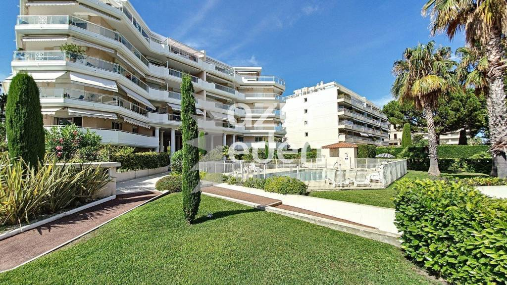 Cannes - Palm Beach 2 P dans résidence avec piscine