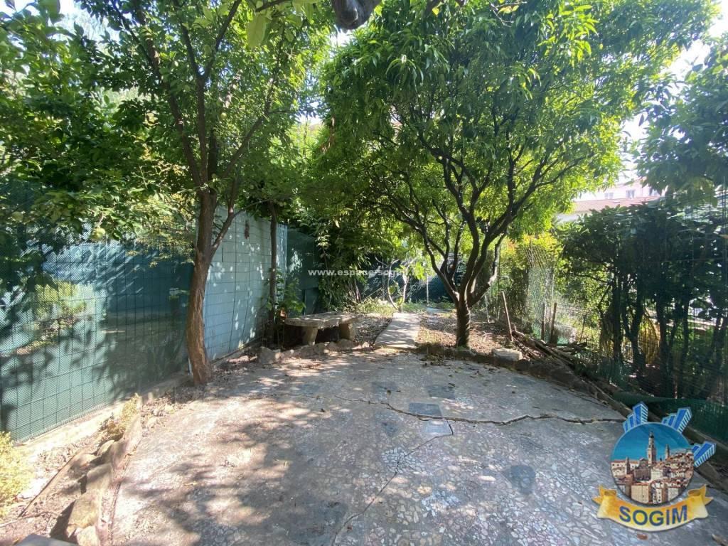 Superbe 2 pièces avec jardin garage et cave