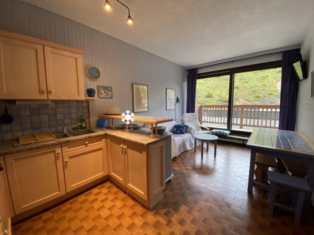Appartement dans une résidence skis aux pieds à Courchevel Moriond