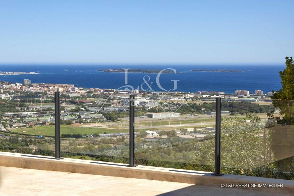 Completely renovated Villa with panoramic sea view