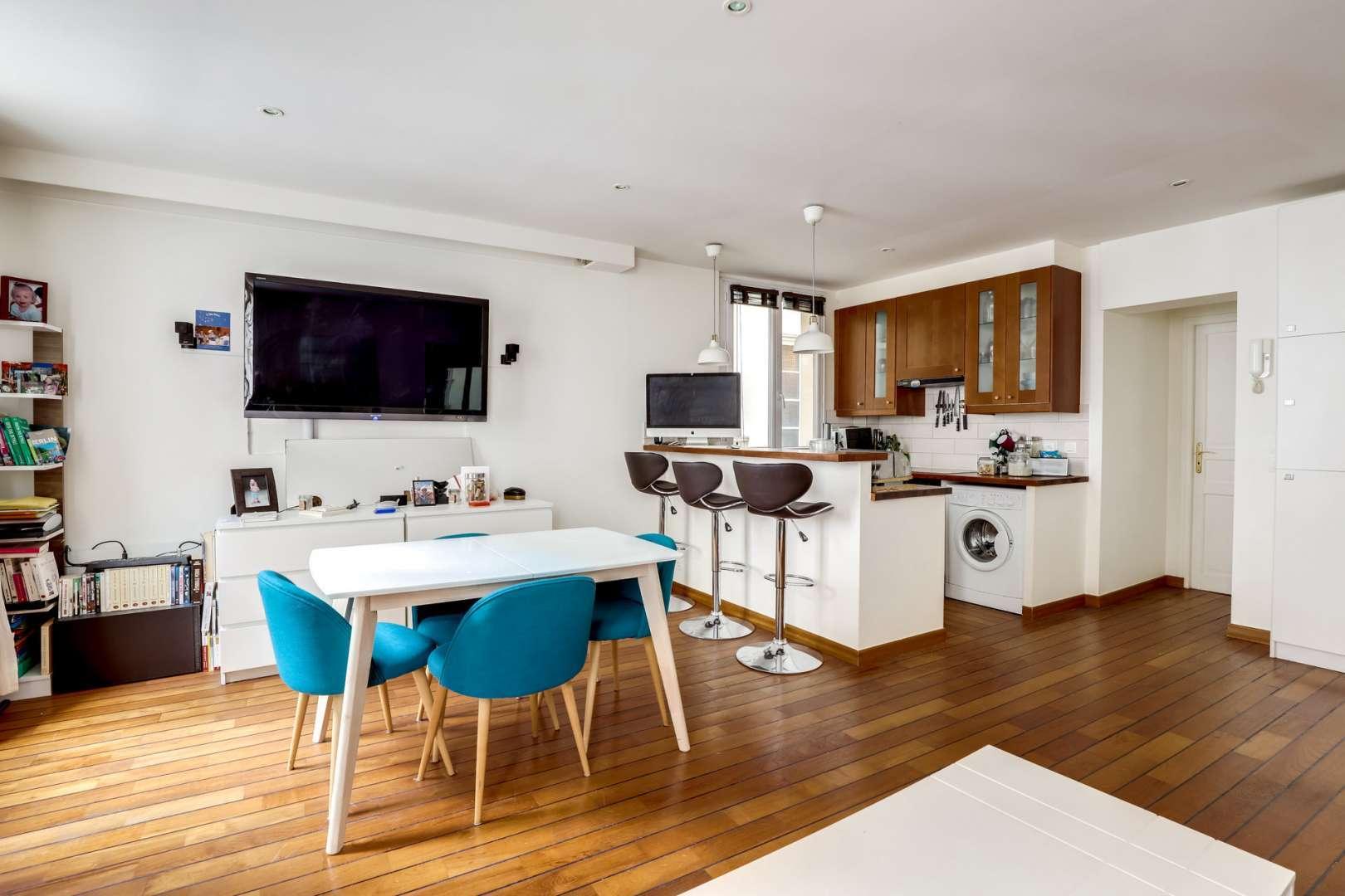 Kitchen Wooden floor Kitchen bar