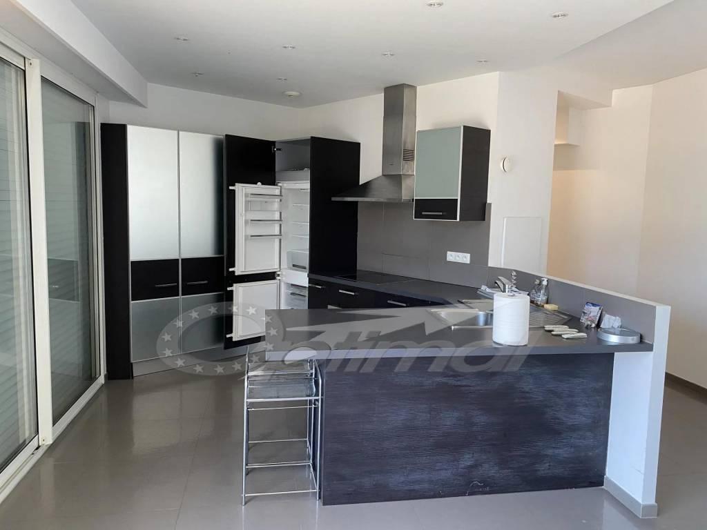 LOCATION VIDE - 4P en maison Jumelée De style Moderne sur Carnolés - Surplombant le Vallonet