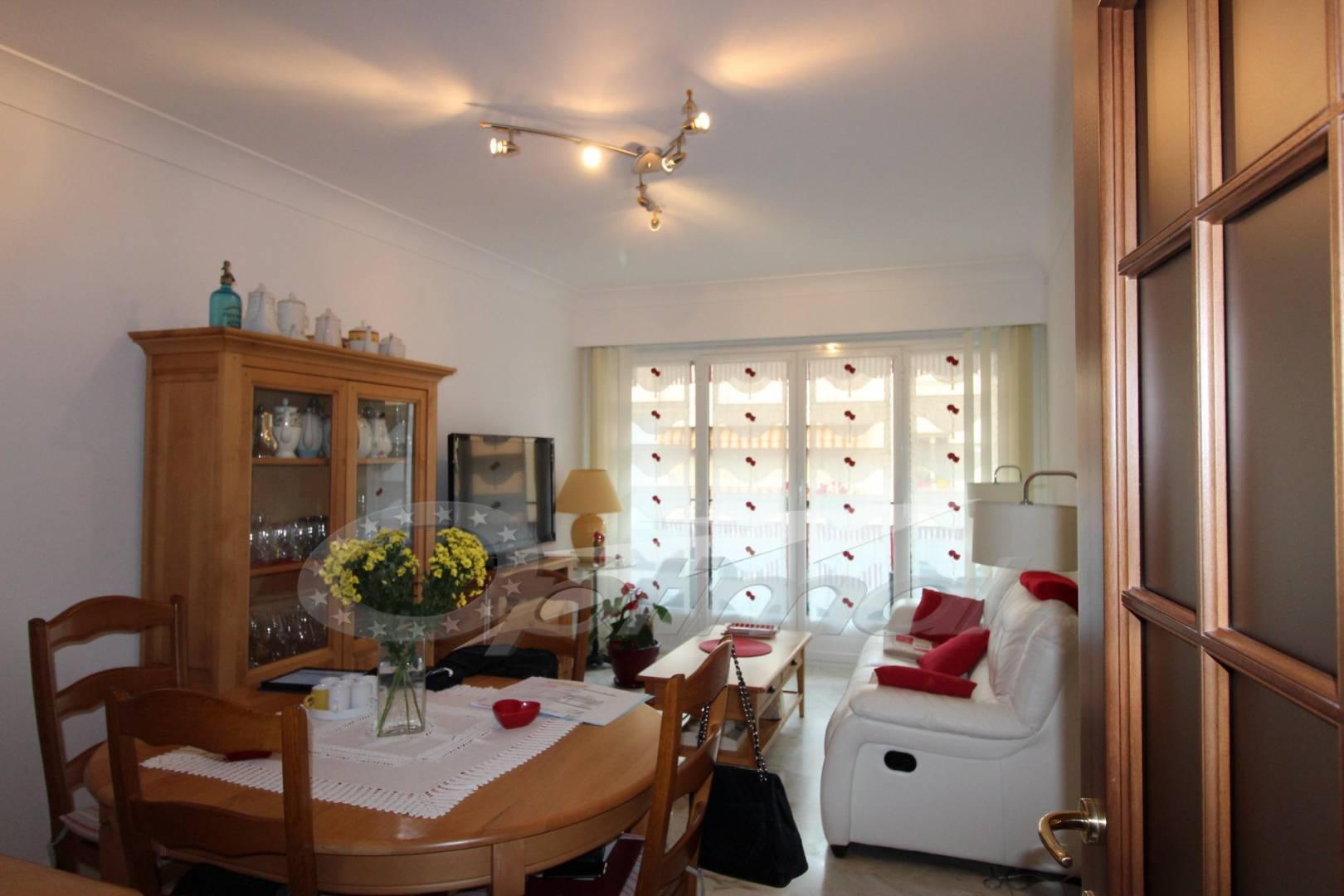 Sala da pranzo Luce naturale Ceramica
