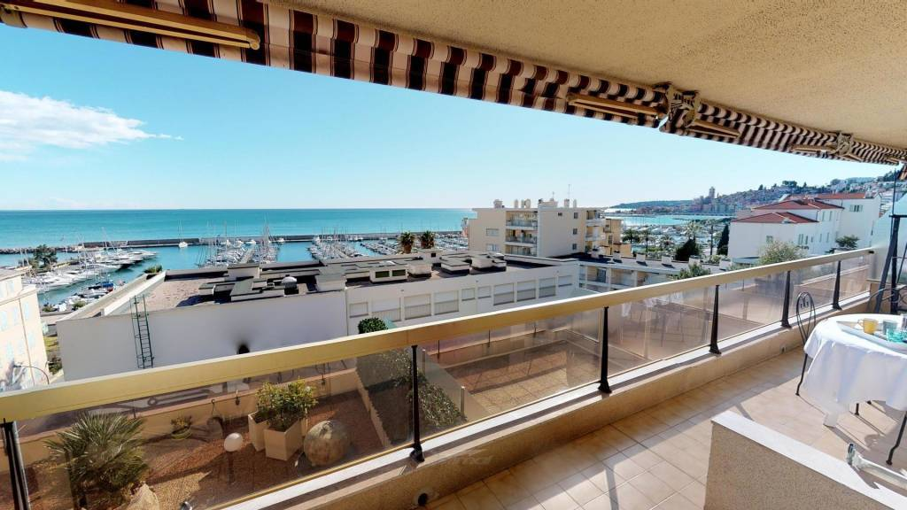 Belle vue mer terrasse garage et piscine