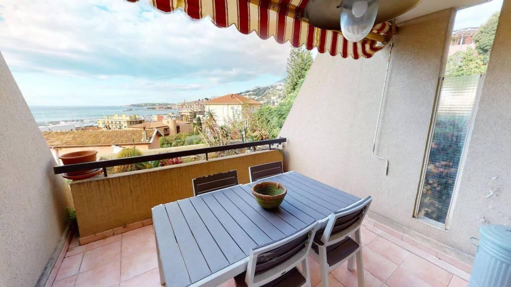 Agréable 2P avec terrasse face mer, piscine et garage