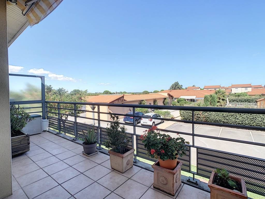 APPARTEMENT T3 avec terrasse et parking
