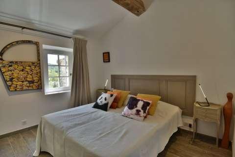 Bedroom Wooden floor High ceiling