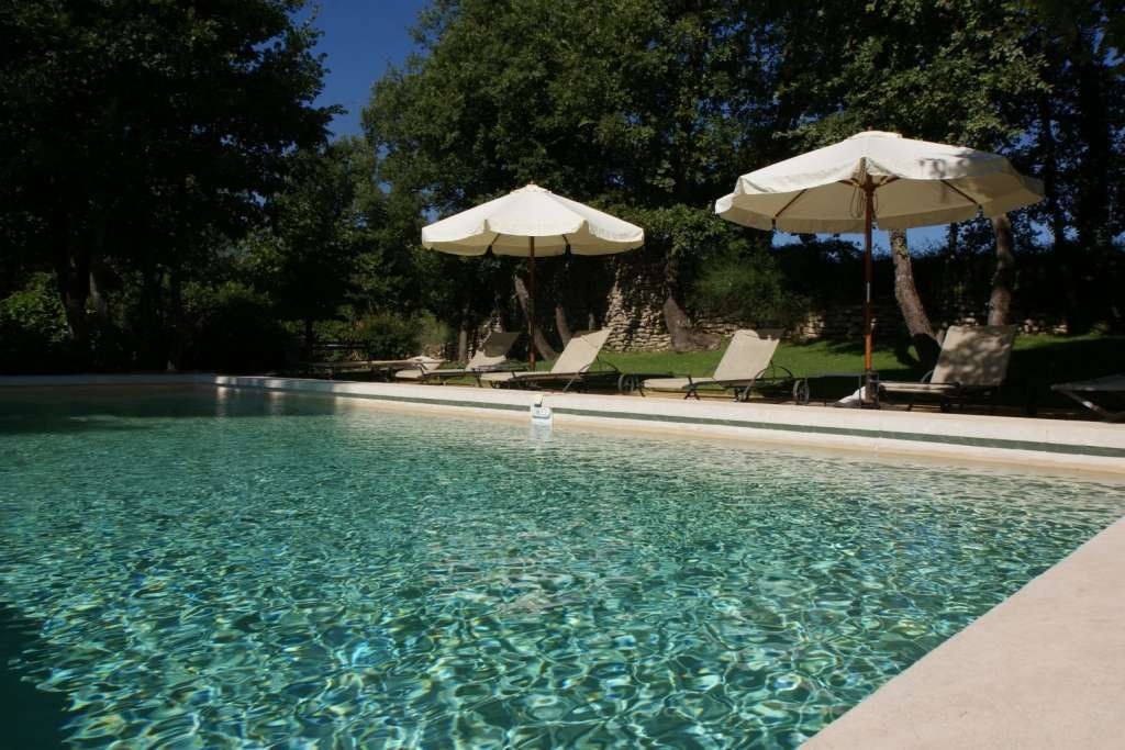 Seasonal rental Property Goult