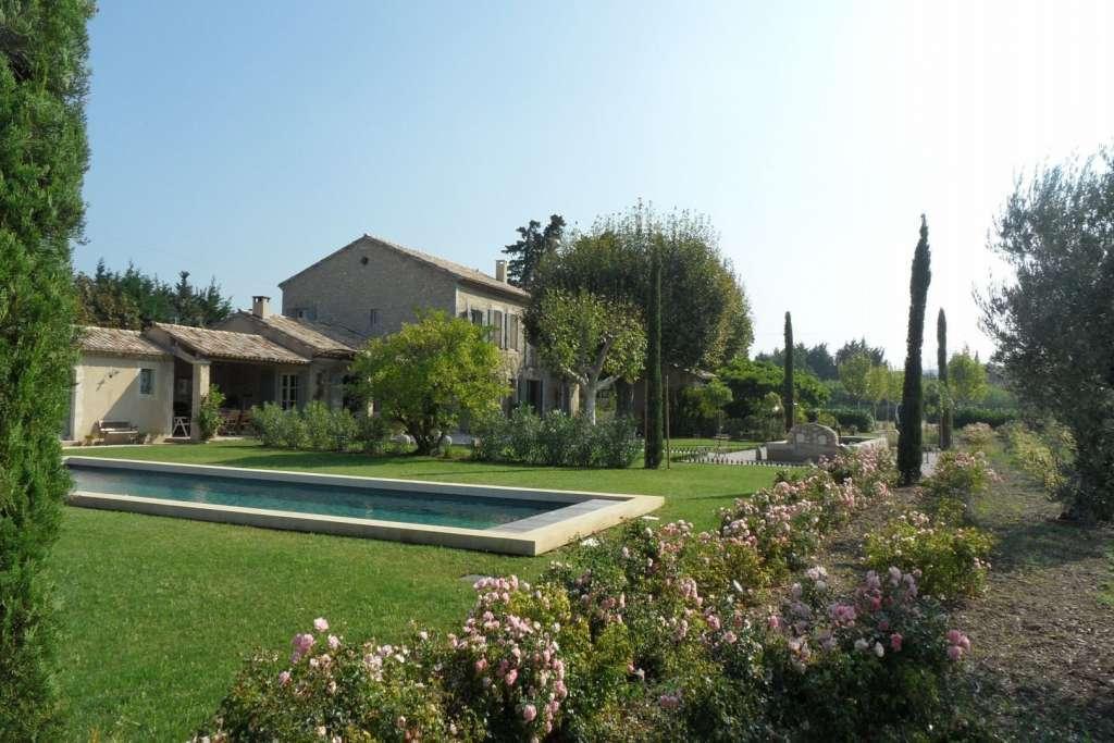 Seasonal rental Property Eygalières