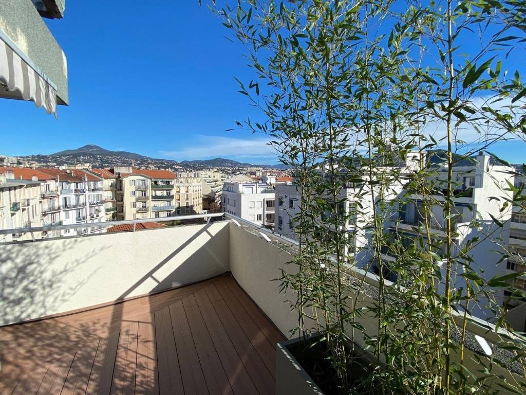 Appartement  3 Rooms 100.04m2  for sale   920000 €