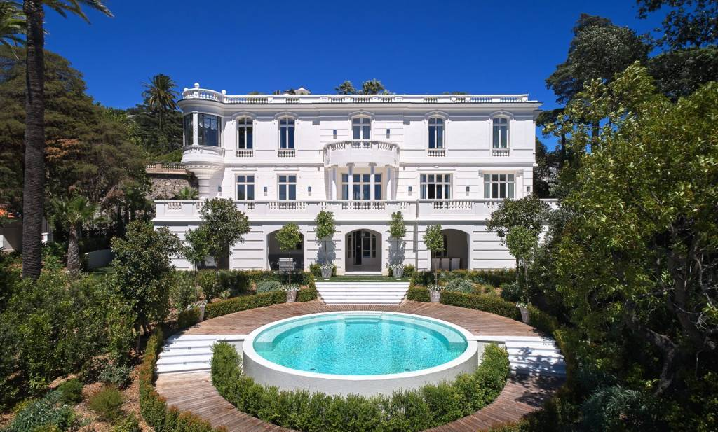 BELLE-EPOQUE PROPERTY : LUXURY PROPERTY WITH PANORAMIC SEA VIEW IN CANNES