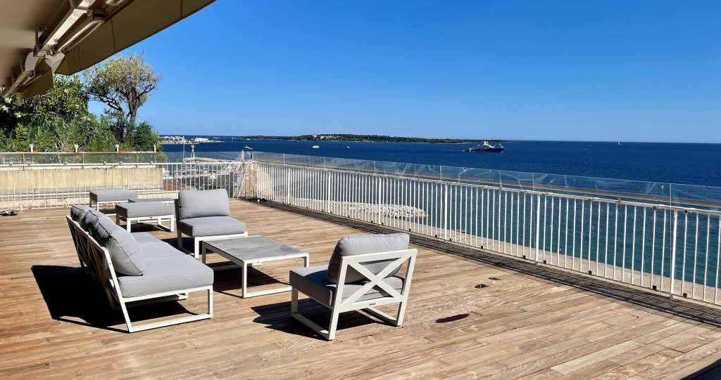 CANNES EXCEPTIONAL PENTHOUSE PANORAMIC SEA VIEW