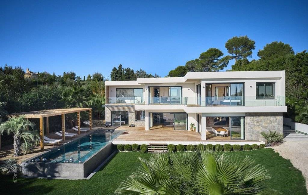 MOUGINS SUPERB CONTEMPORY VILLA - 6 BEDROOMS