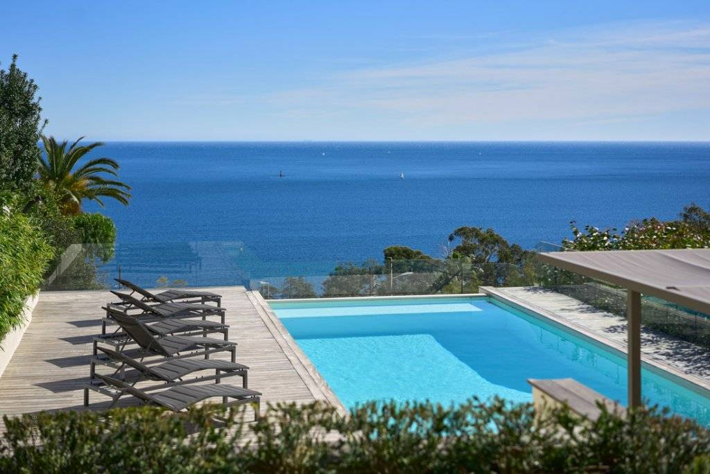 CANNES MAGNIFICENT CONTEMPORARY VILLA