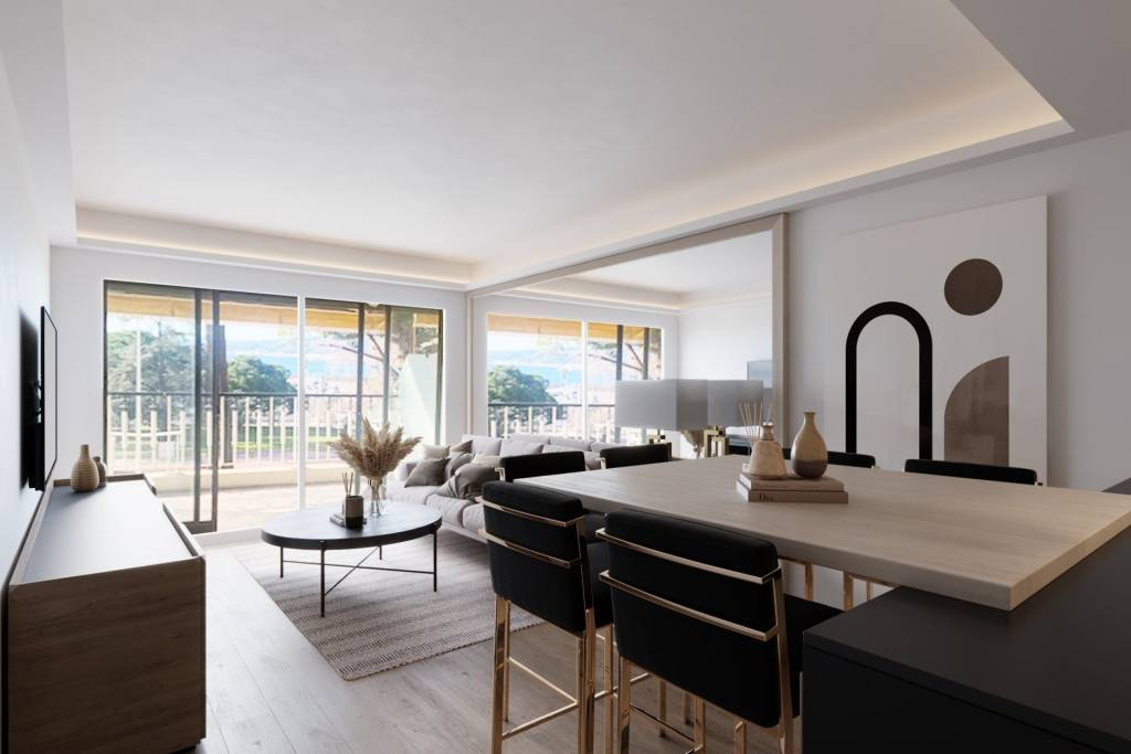 CANNES CROISETTE - MAGNIFICENT APARTEMNT RENOVATED  - SEA VIEW