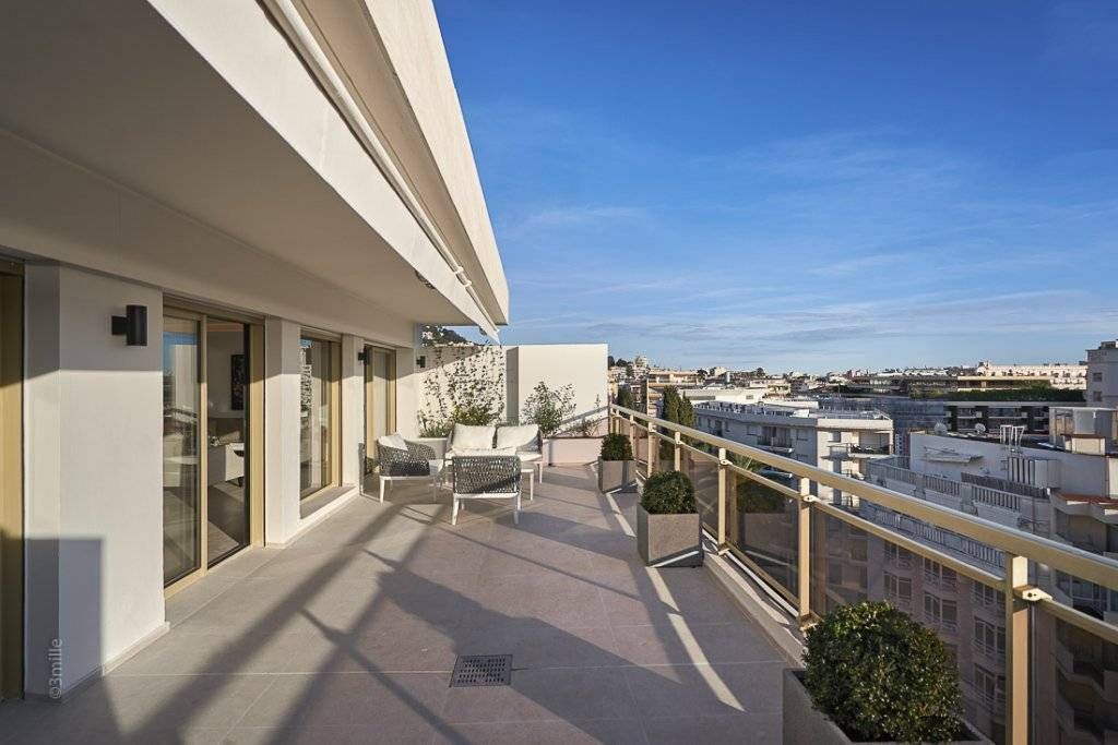 CANNES CENTER -  PENTHOUSE - 3 BEDROOMS